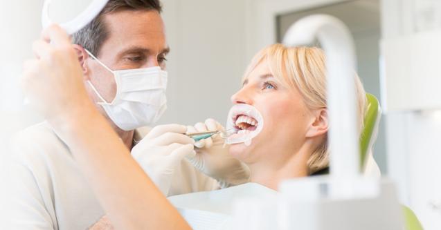 La preparazione dentale per le faccette in ceramica