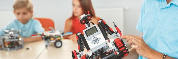 La robótica es un juego de 'cool kids' como tú. Estos jóvenes lo aprendieron en su prepa