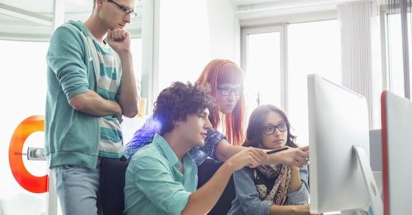 Elige una universidad que permita ganar experiencia mientras estudias