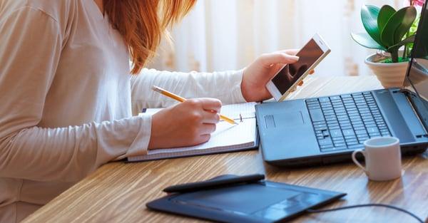 El profesionista multitask. ¿Cómo estudiar en línea y trabajar al mismo tiempo?