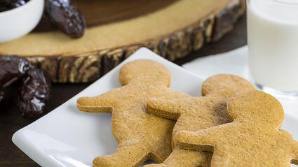 medjool date gingerbread cookies