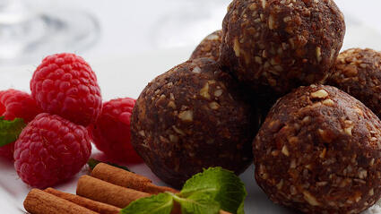 medjool date power balls