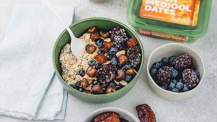salted caramel overnight oats with medjool dates
