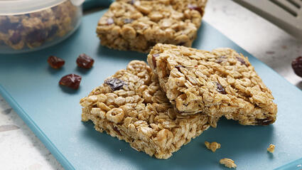 medjool date whole grain and oat bars