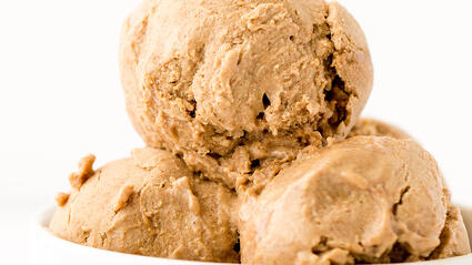 vegan no churn cinnamon roll ice cream