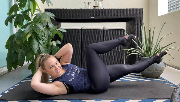Practice Core Engagement and Feel the Burn With This 10-Minute Mat Pilates Workout