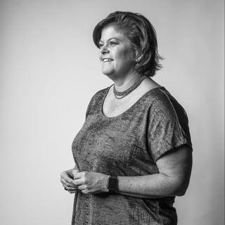 Betsy Fretwell Chair Headshot-1