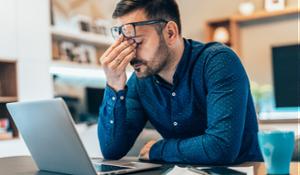 Man with ocular migraine