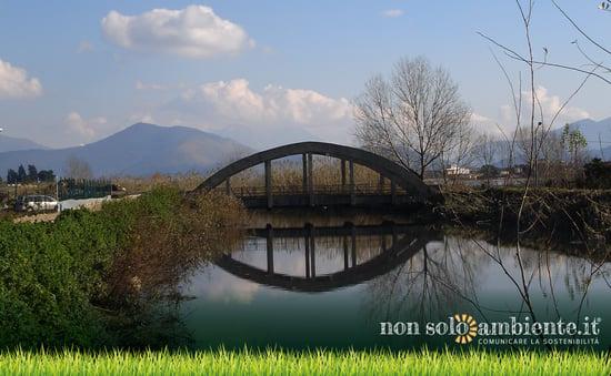 Acqua Sarnella, la provocatoria campagna contro l'inquinamento del fiume Sarno