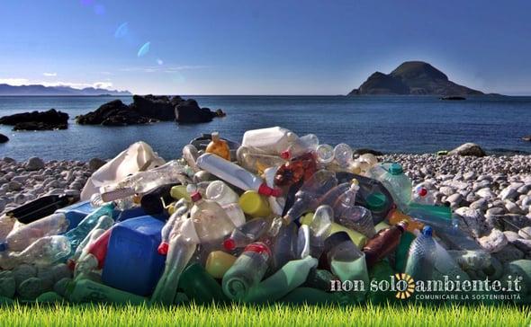 Una flotta per ripulire i mari italiani: è partito il progetto Minambiente
