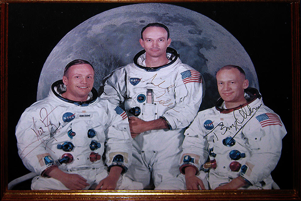 Neil Armstrong First Man on Moon Dies at 82  The New