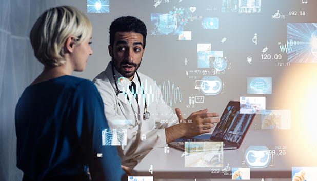 What's the Difference Between an EHR and EMR?