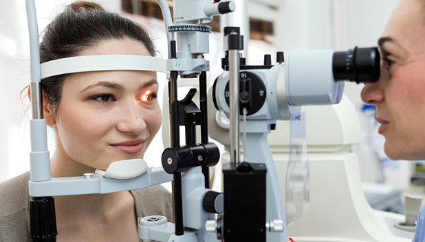 9 Must-Have Ophthalmology EHR Features for Your Practice