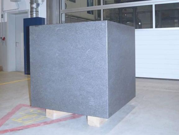 Granit & Beton vs. Stahl