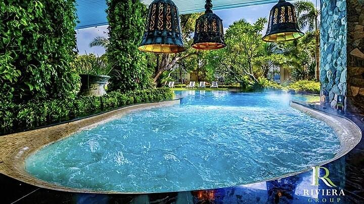 5 Condos with the Best Swimming Pool