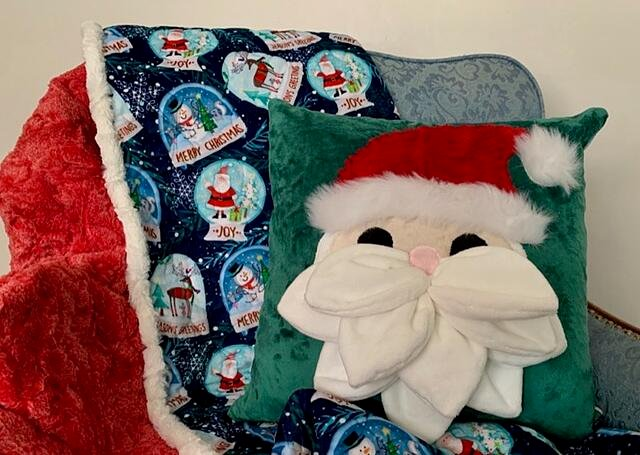 How to Sew a Santa-Themed Holiday Pillow (Petal Pop Santa Pattern Sewing Tutorial)