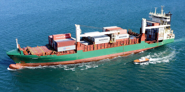 Buque de mercancías con contenedores