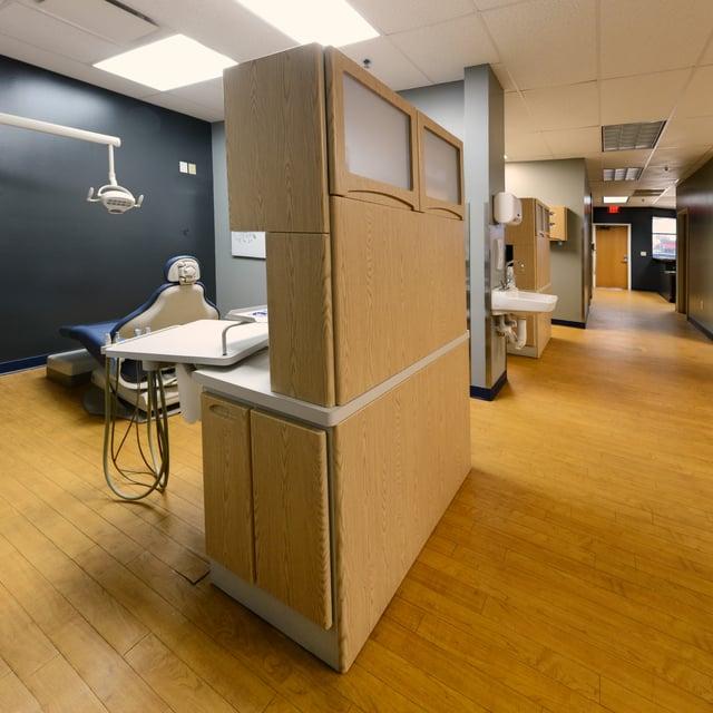 clarksville-dental-hallway