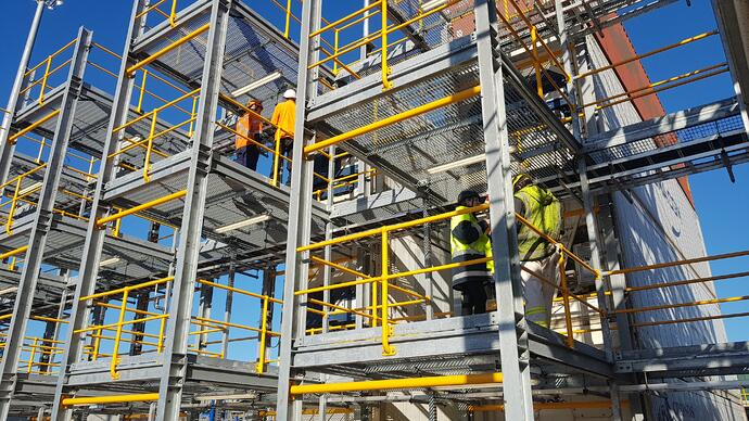 Reefer terminal with workers onsite