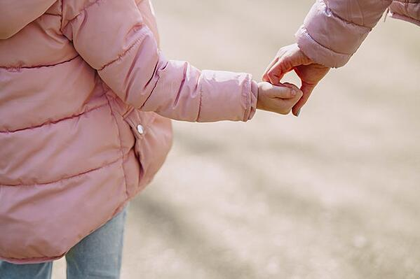 Wie können gleichgeschlechtliche Paare in der Schweiz Kinder haben?