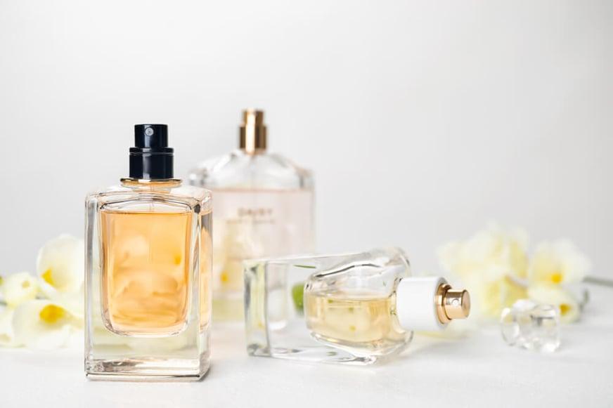 Engríete e impresiona con estos sets de perfumes para mujer