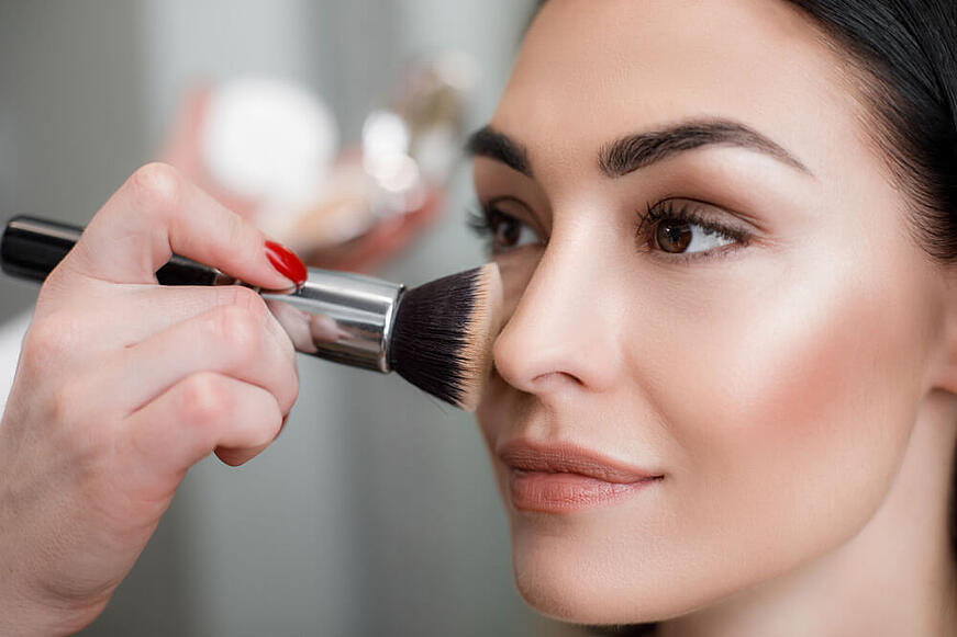 8 trucos fáciles y rápidos para lucir un maquillaje duradero