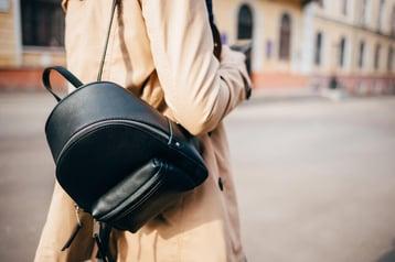 Precio mochila Guess mujer