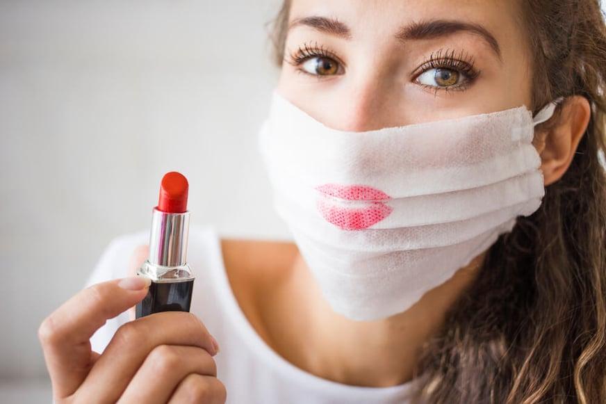 ¡Smuak! ¿Cómo celebrar el día internacional del beso en pandemia?