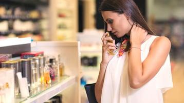 Aprende a elegir un perfume en 5 rápidos y sencillos  pasos