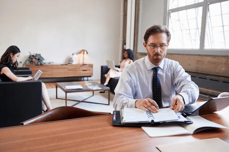 Waarom je organisatie eenzaamheid nu moet aanpakken
