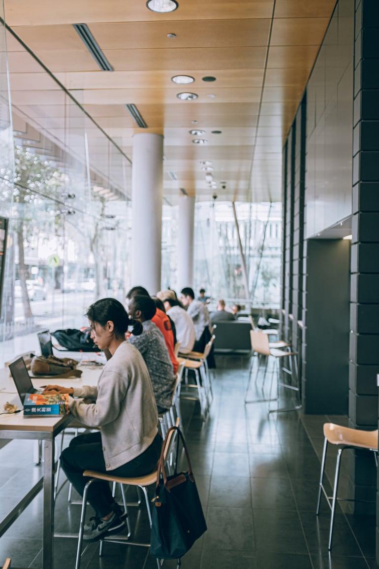 Waarom een gedeelde werkplek nodig blijft in de toekomst