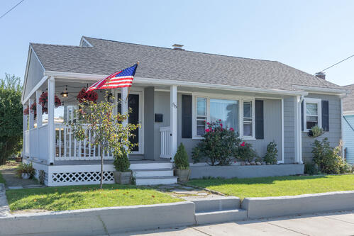 [Just Listed]Point Shirley Charmer of a Home