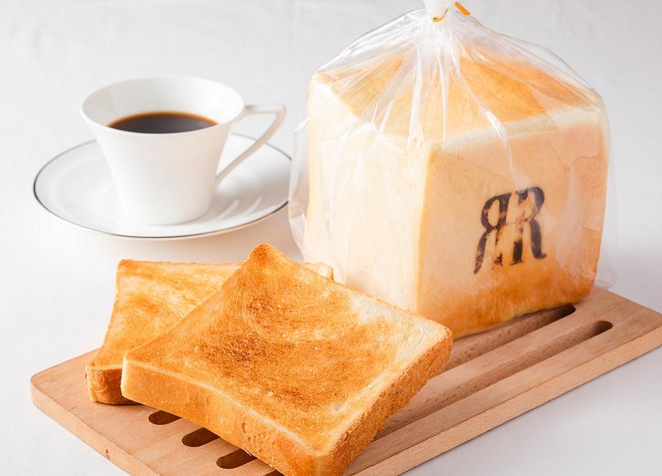 先着1日15予約限定で、ホテル自家製食パンをプレゼント!