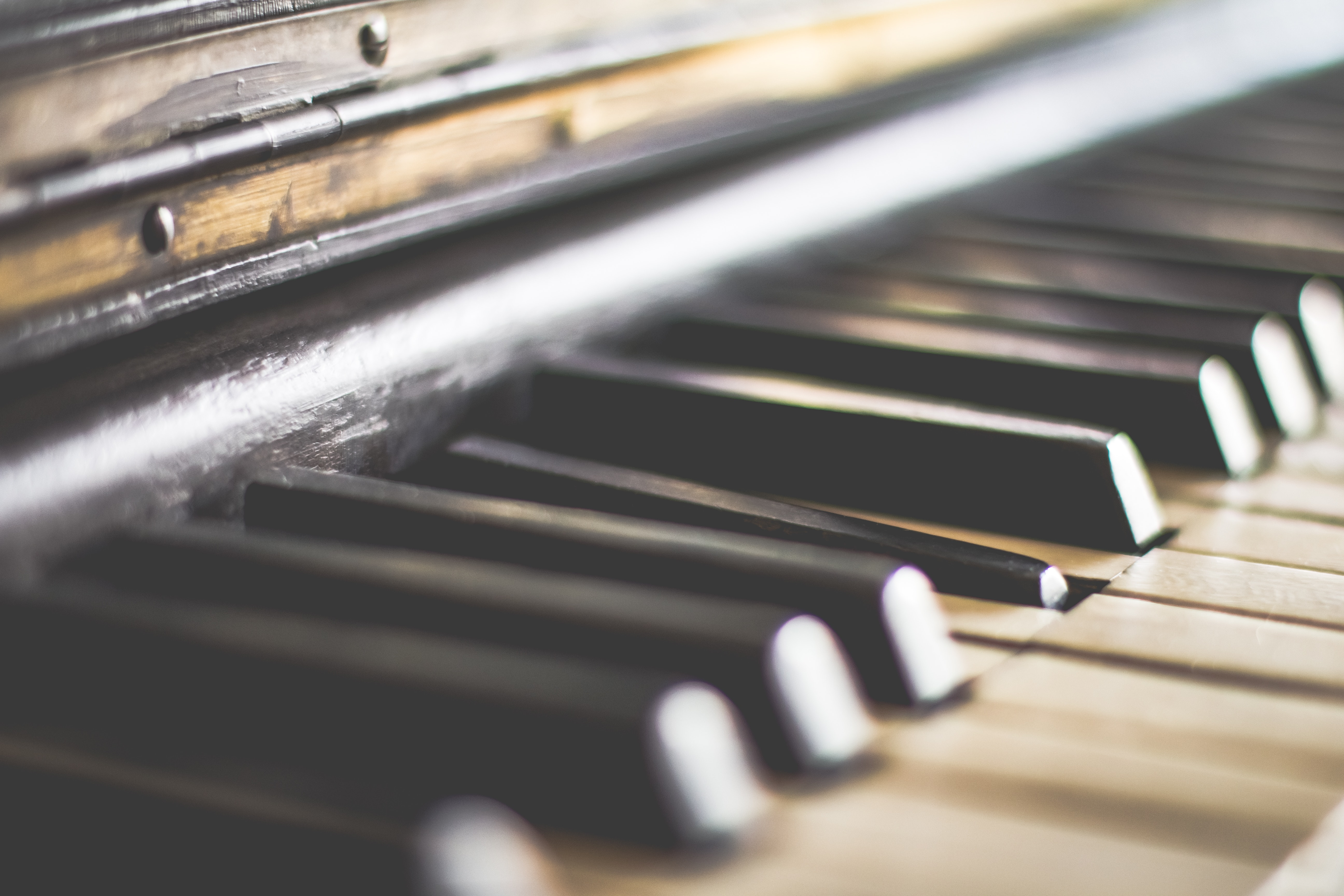Easy Ways of Learning to Play Piano