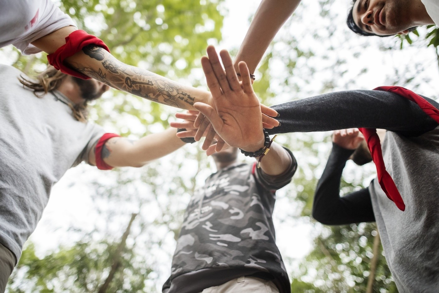 45-outdoor-team-building-activity-ideas-for-work-groups-1