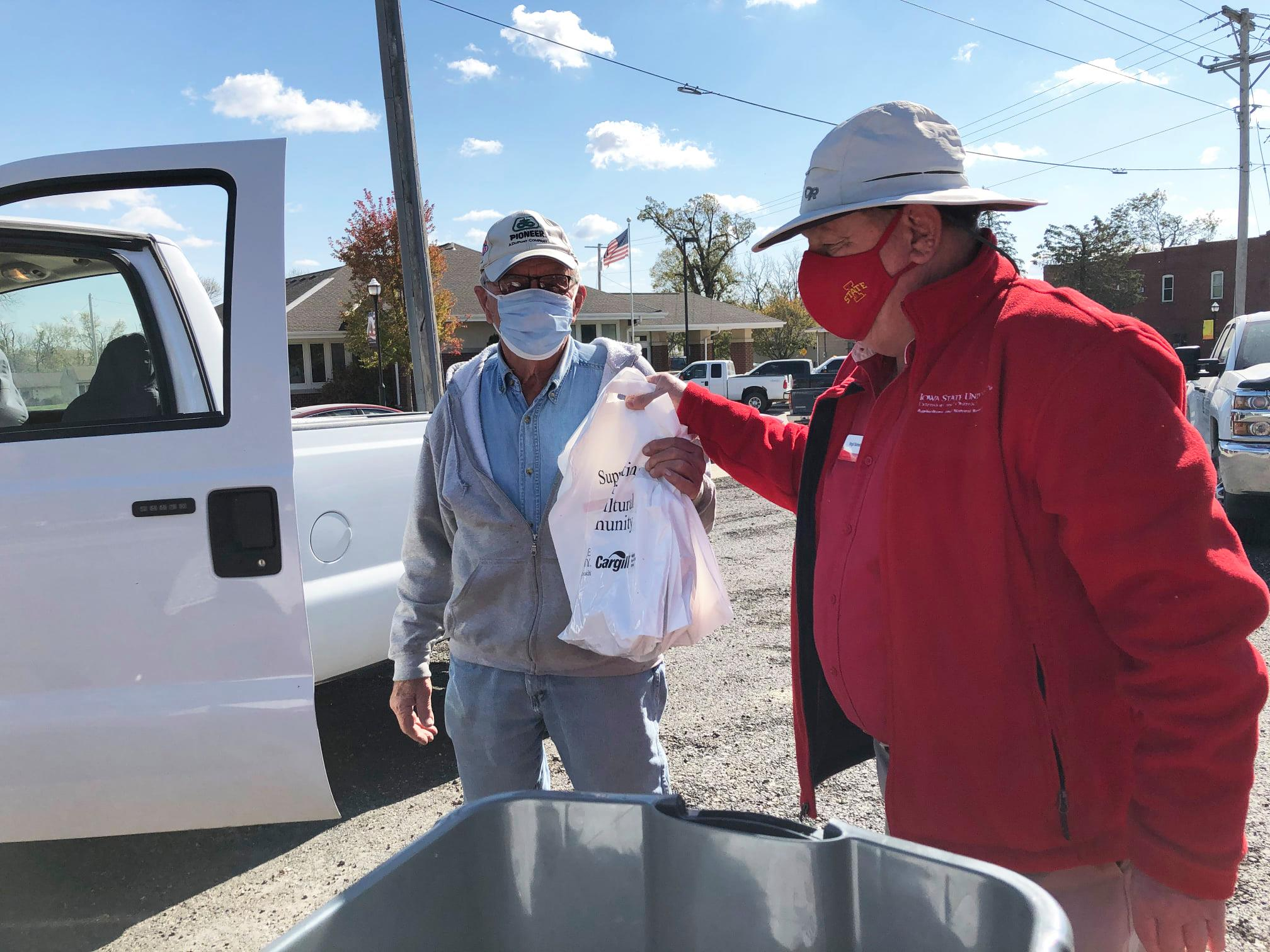 Supporting Iowa Farmers, One Meal At A Time
