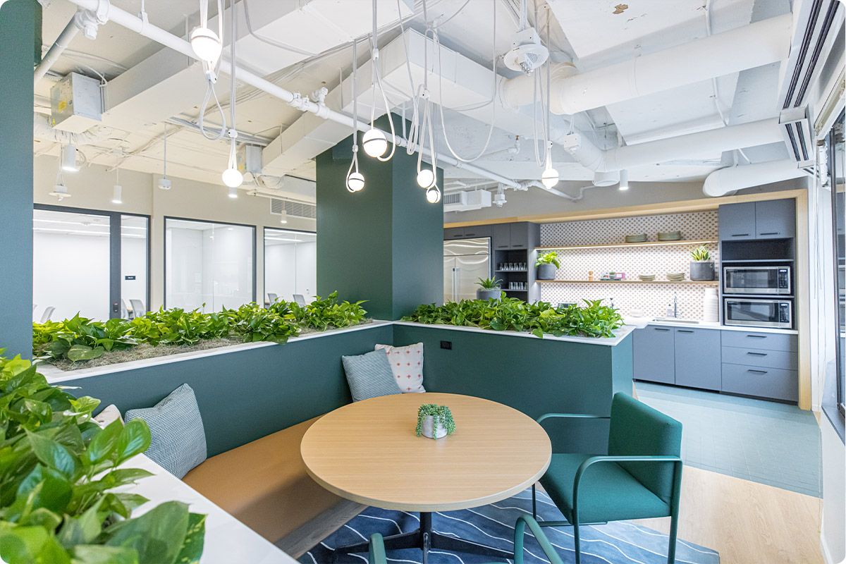 hot-desking-workplace-strategy
