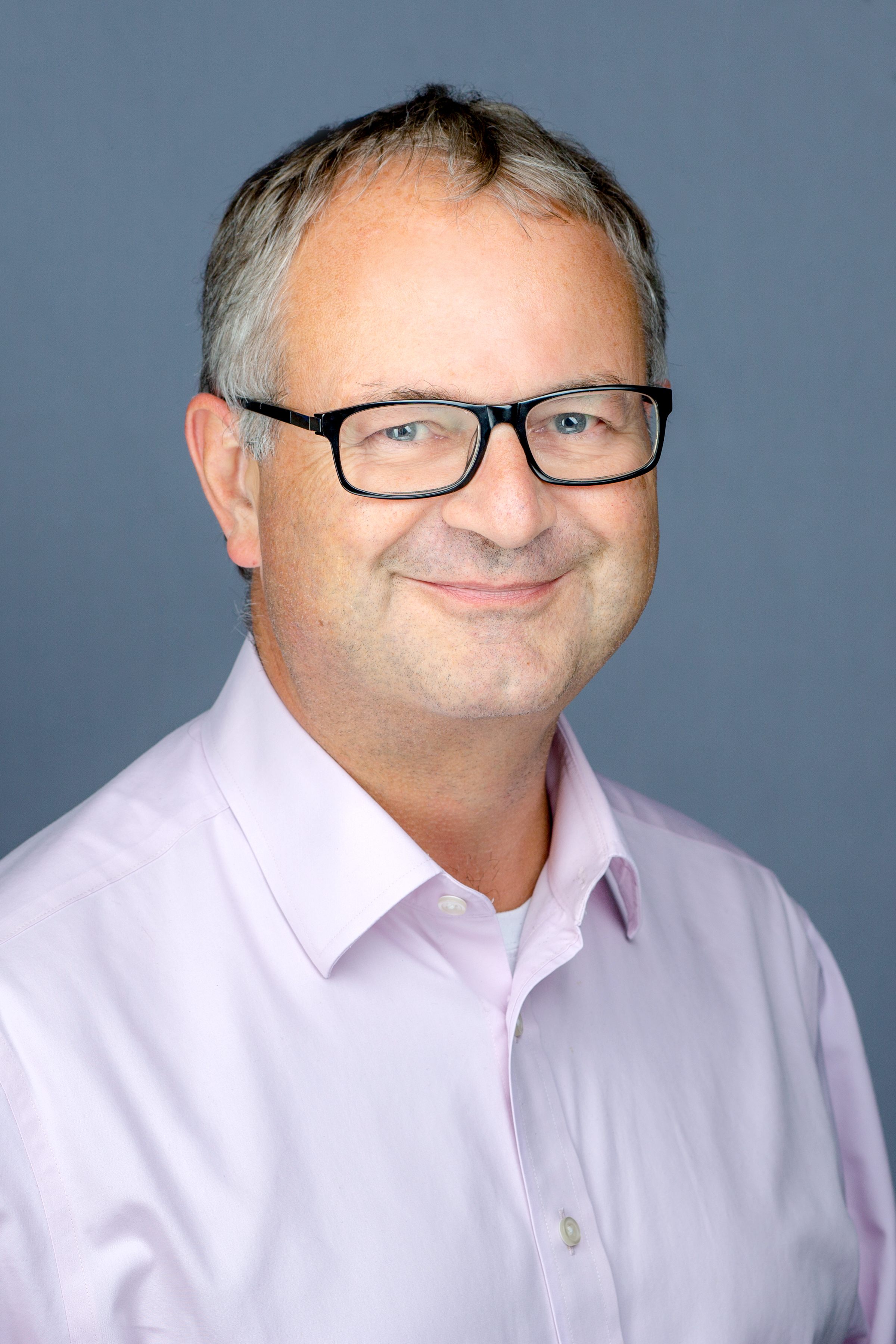 Head Shot of Tim Houstoun - CEO Global Shares