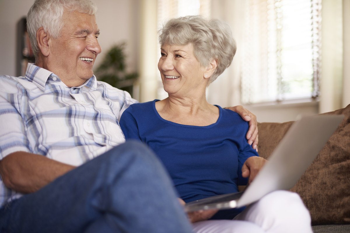 Differences between independent and assisted senior living