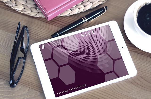 tablette-transformation-digitale-pcr-commnucitation
