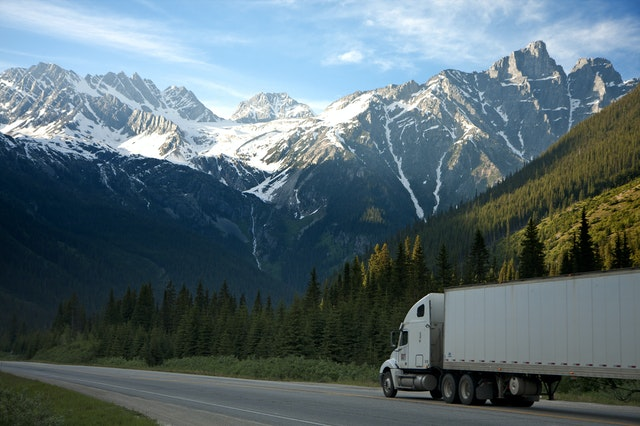 5 Considerations to Better Protect Your Motor Truck Cargo this Holiday Season